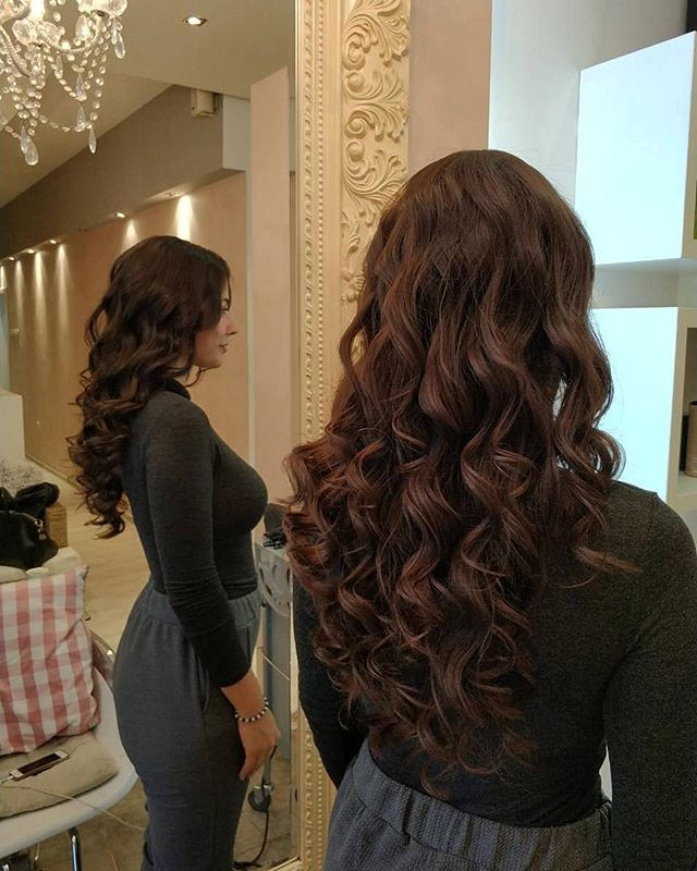 Most Stylish Long Curly Hairstyles and Haircuts for Women