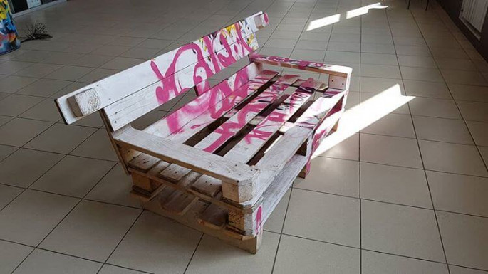 Wooden pallet sofa frame ideas