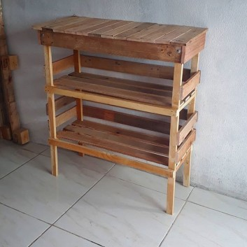 pallet side wall shelf ideas