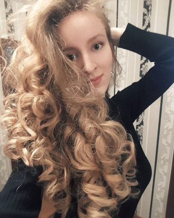 Long curly hairstyles