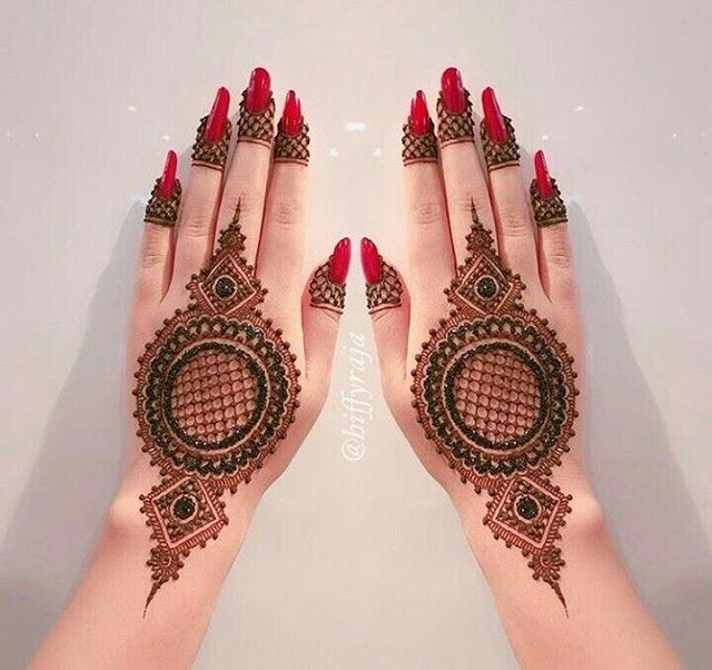 back hand tikky mehndi design ideas