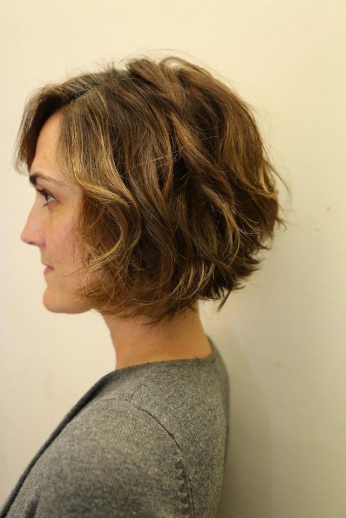 Wavy Bob Short Hairstyles Ideas for Women