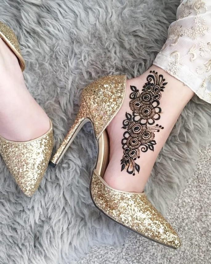 foot mehndi design ideas