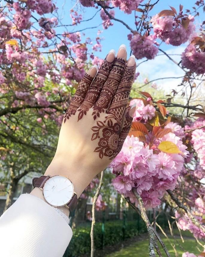 classic finger mehndi designs