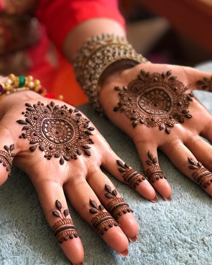 fronthand mehndi designs