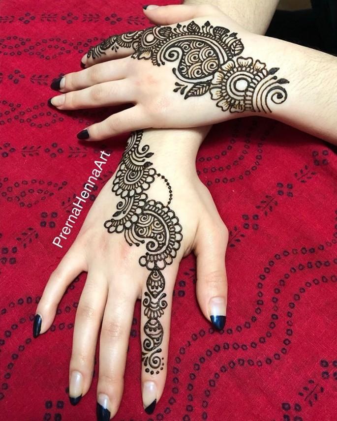 stylish backhands mehndi designs ideas