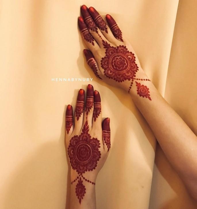 hands redish mehndi designs