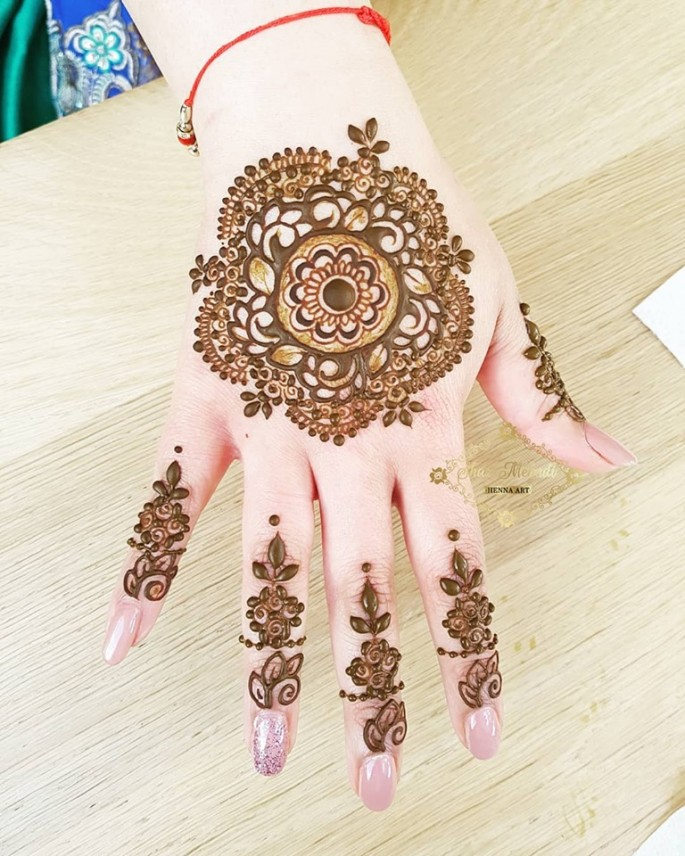 women mehndi design ideas