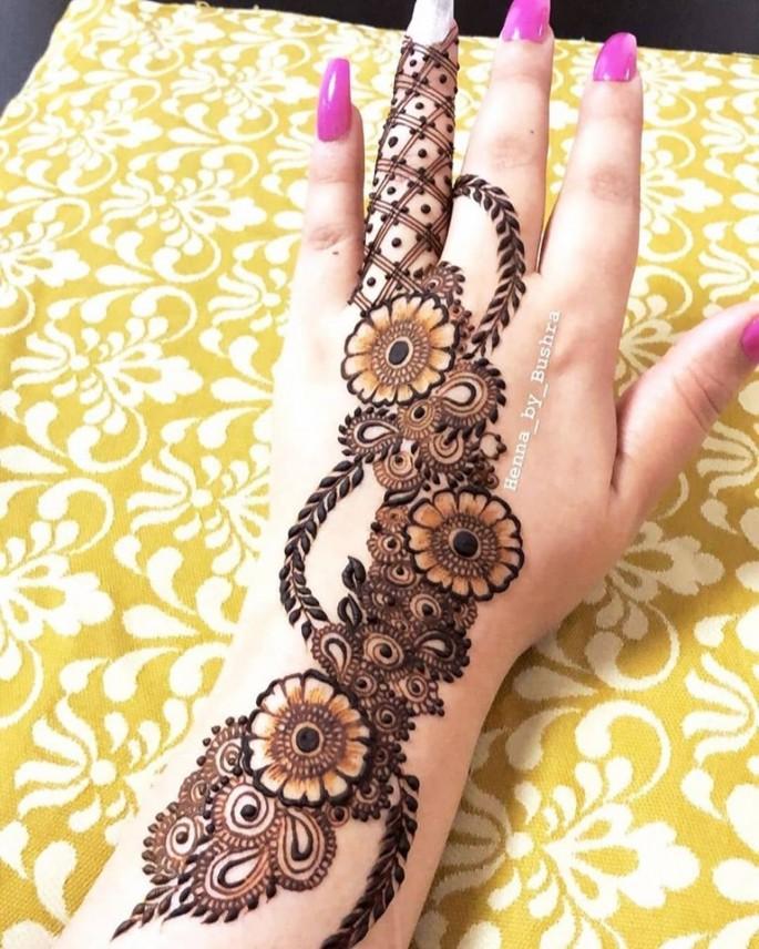 backhand traditional mehndi design ideas