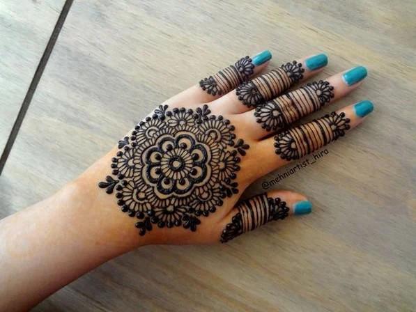 Natural backhand Henna Designs