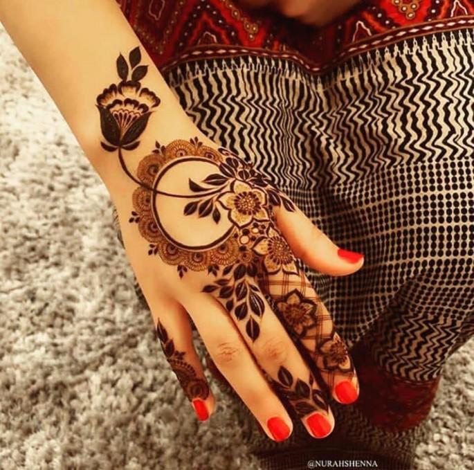 latest backhand mehndi design for girls