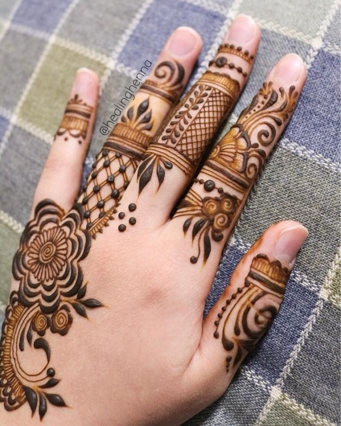 unique finger mehndi designs