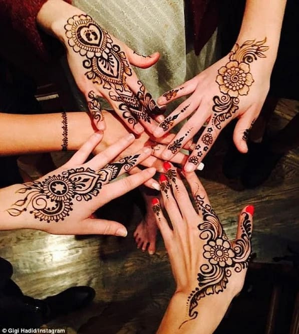 awesome diy Mehndi Art on Back Hand on new year