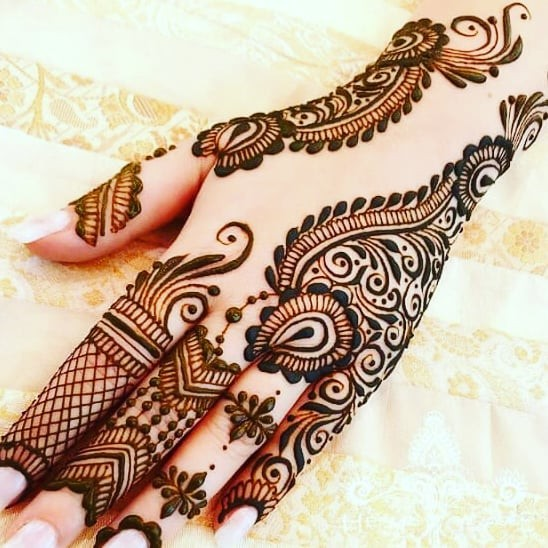 easy pakistani back hands mehndi designs ideas
