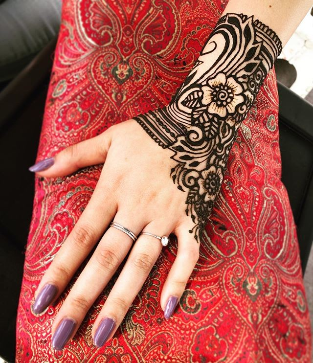 easy pakistani back hands mehndi designs