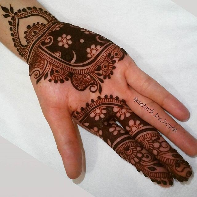 13 Beautiful and Easy Front Hands Mehndi Designs 2018