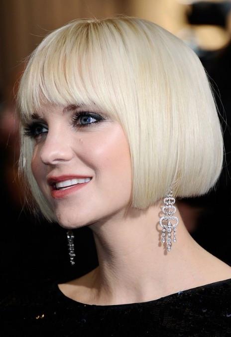 Platinum-blonde Short Bob Haircuts & Hairstyles for Women