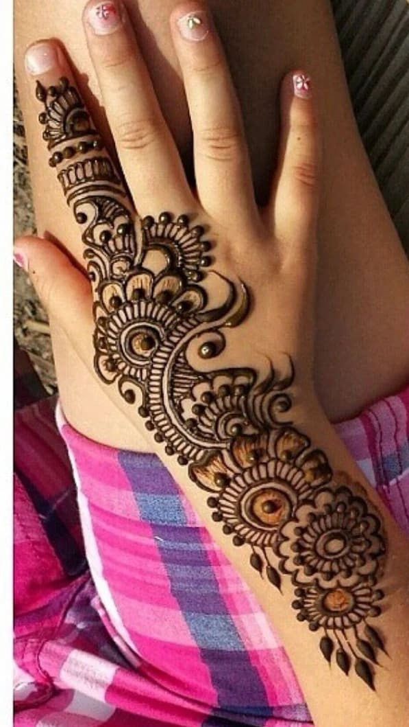 top indian Mehndi design for the new year