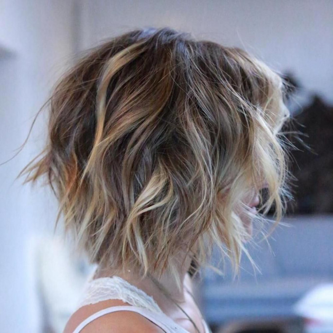Shaggy Bob Dazzling Hairstyles for Thin Hair to Try Now