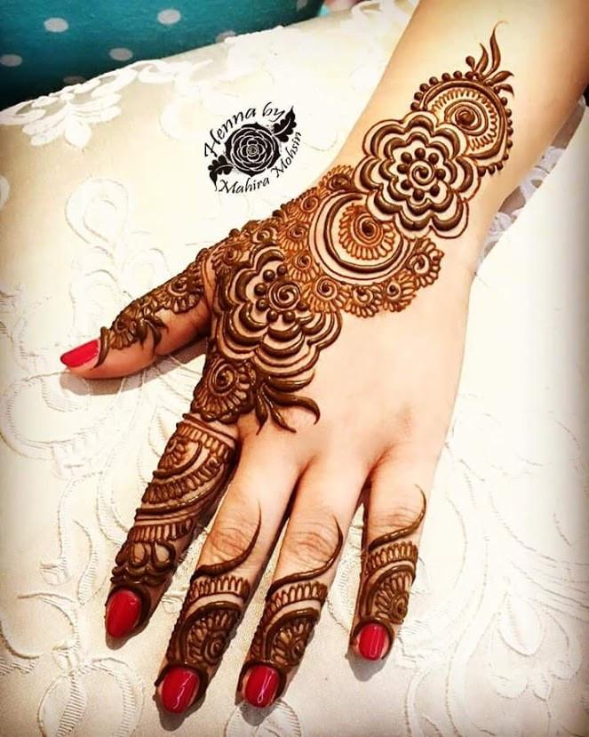 unique Simple Mehndi Designs for back Hands