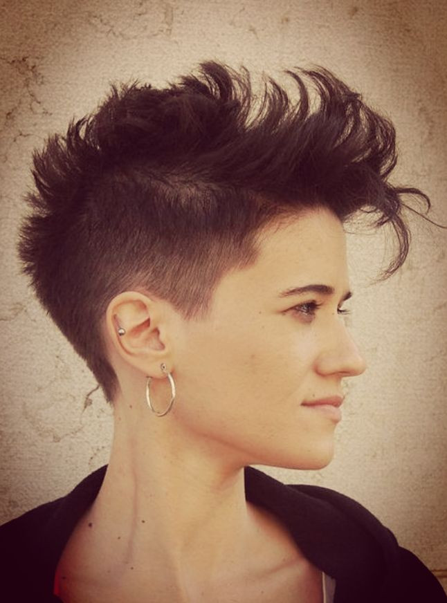 Messy Pompadour Dazzling Hairstyles for Thin Hair to Try Now