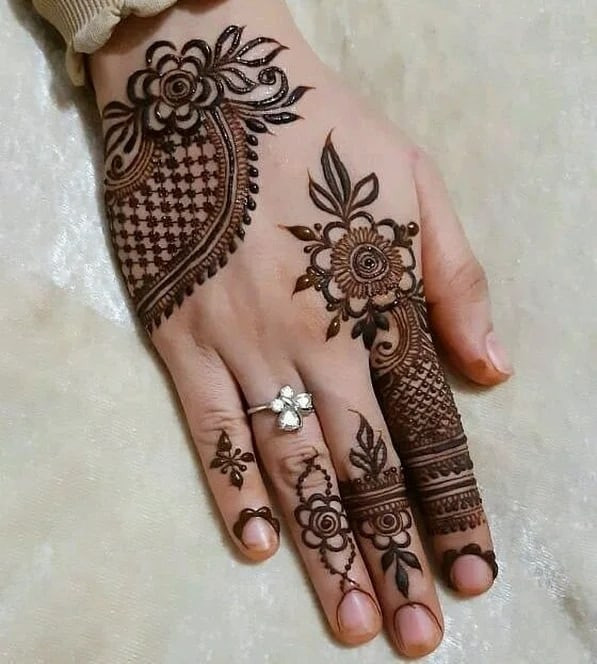 indian Mehndi design for the new year