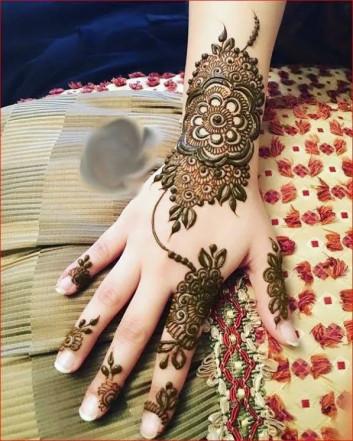 Latest Adorable Mehndi designs for Girls 2018