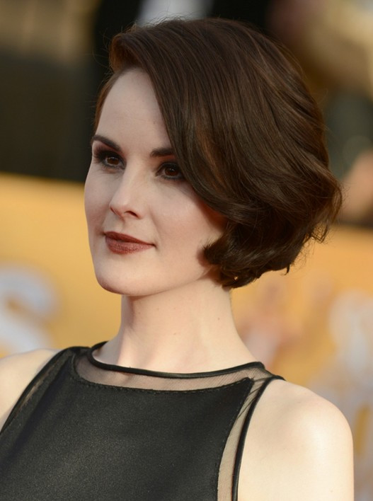 Classy Short Haircuts & Hairstyles for Thick Hair