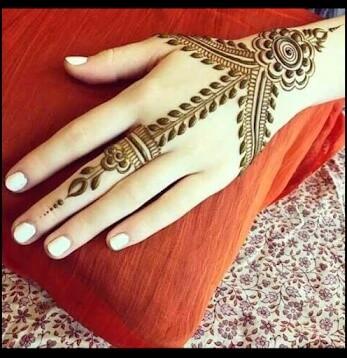 very simple backhand mehndi designs