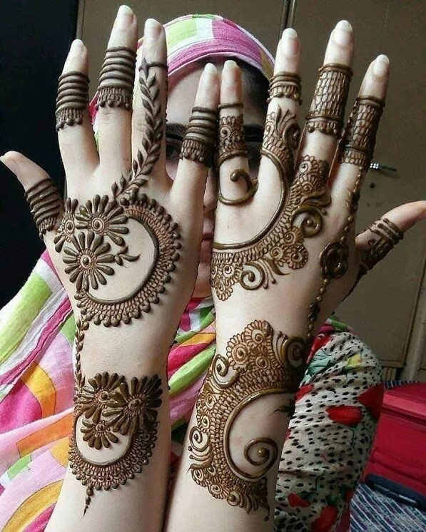 heart touching mehndi designs for girls