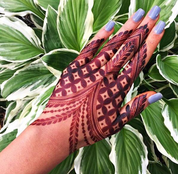 heavy back hand mehndi designs