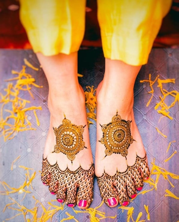 outstanding New year foot mehndi designs ideas
