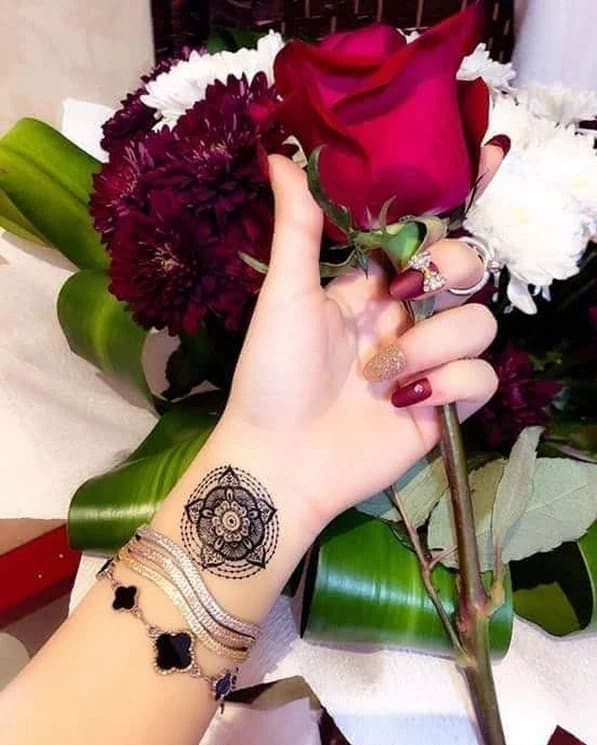 112+ Most beautiful Henna Designs For Women in new year