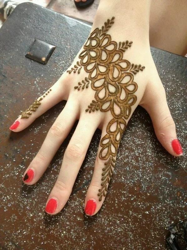 simple hands mehndi design ideas