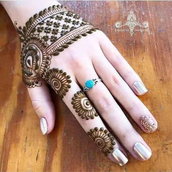 112+ Most beautiful Henna Designs For Women in 2019