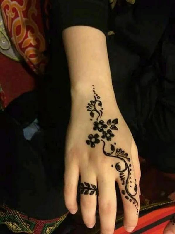 Shimmer Henna Designs for girls