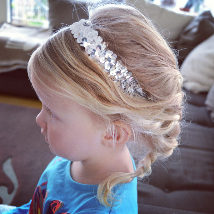 Wonderful Elsa's Hairstyles for Little Girls