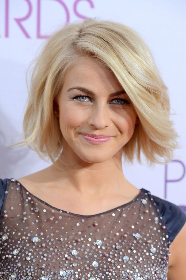 Shaggy Side-Parted Cute Bob Hairstyle for Round Faces