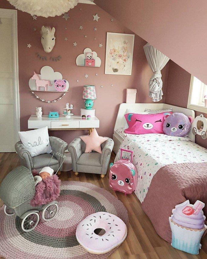 Top 16 DIY Bedroom Decoration Ideas