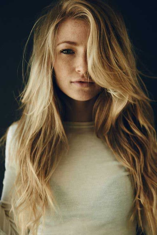Full & Bouncy Long Hairstyles For Women