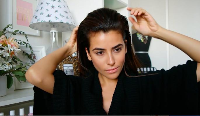 Wet-Look Wavy Long Hairstyles For Women