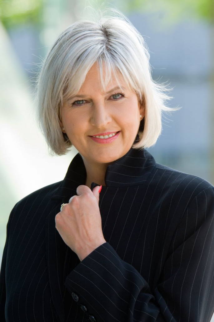 Hip Bob Hairstyles for Women Over 60s