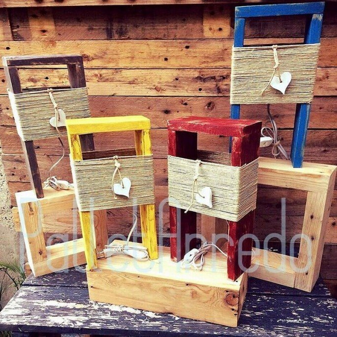 Outdoor Wooden Pallet Lampade/Lights Ideas