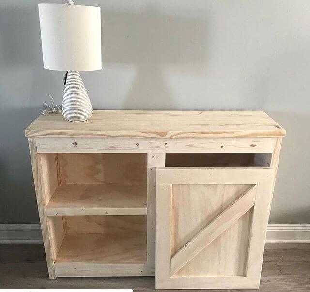 Pallet storage cabinets
