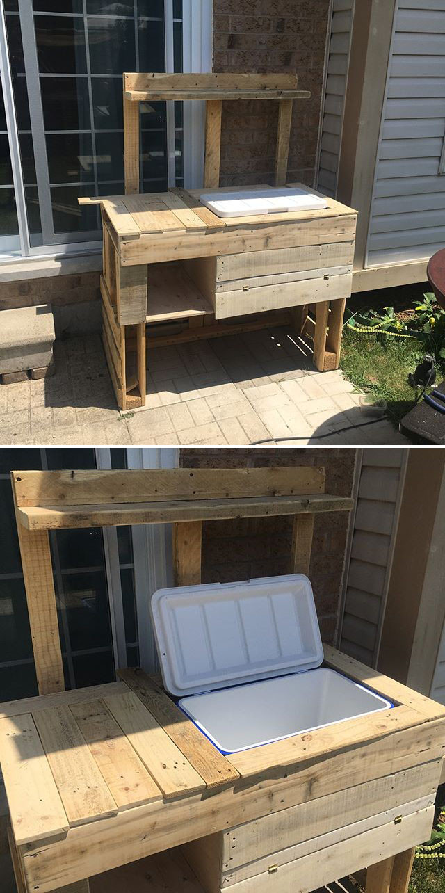 Pallet outdoor bar with cooler