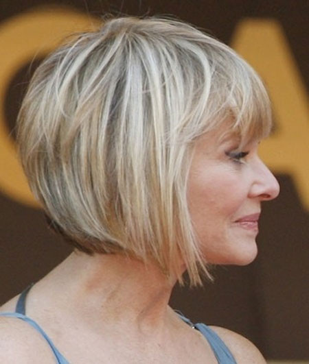 33+ Classy & Simple Short Hairstyles for Older Women - Sensod ...