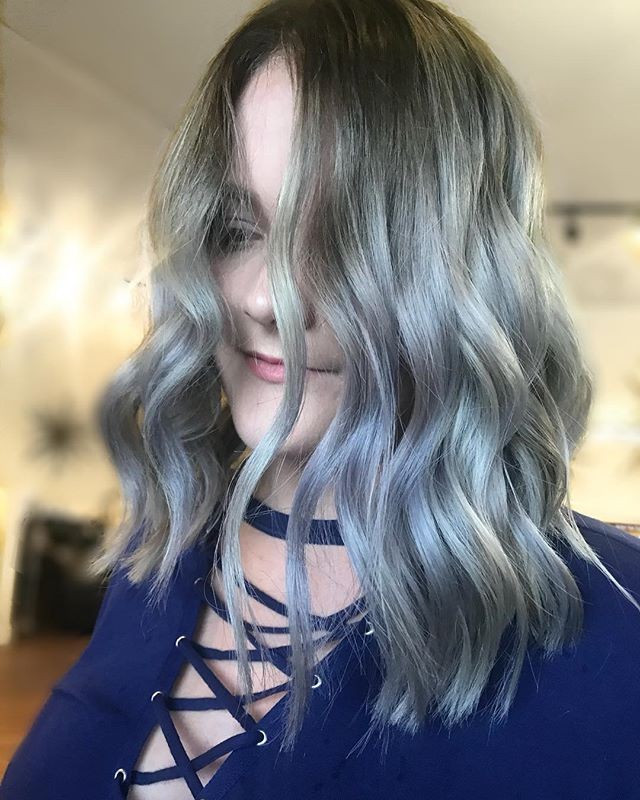 silver curly hairstyle