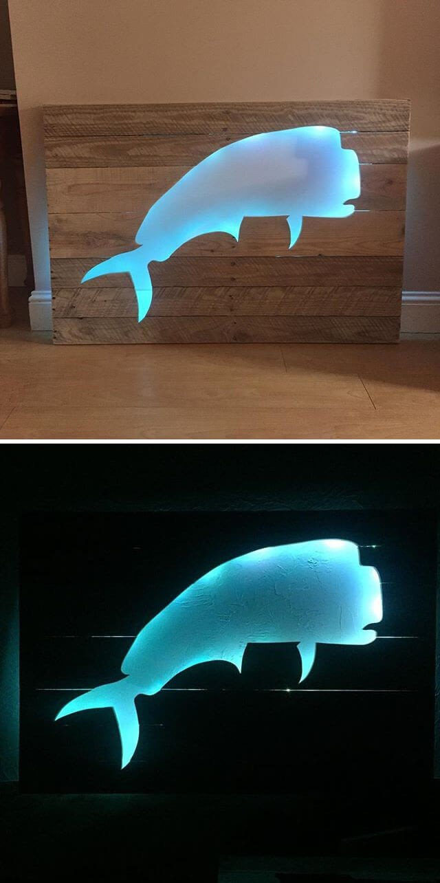 best wood pallet shelf with fish art