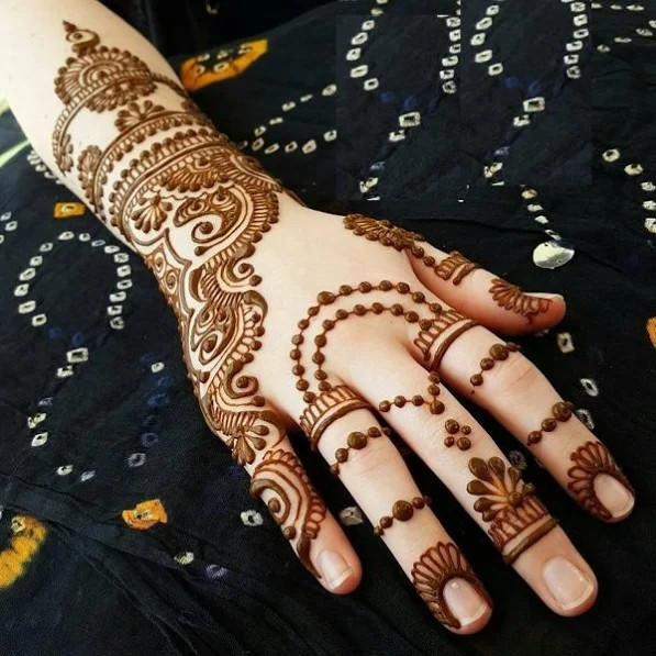 35+ Most Beautiful and Creative Henna Designs for Girls