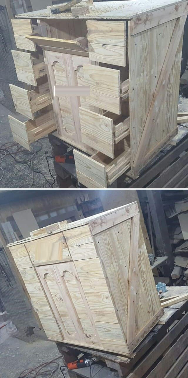 One level up pallet drawer table ideas